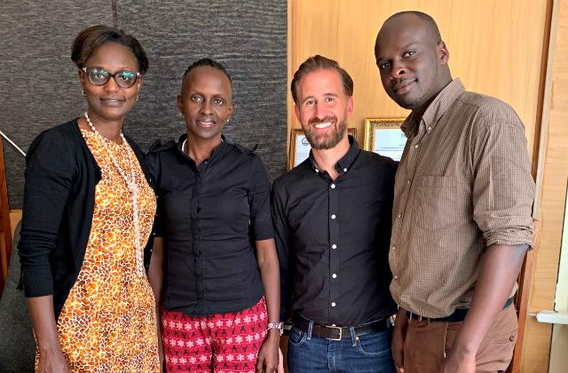 Judy Kepher-Gona mit Team und Martin Balas in Kenya