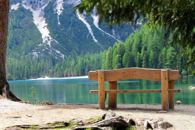 Blick auf den Pragser Wildsee © Pixabay/Eumelinchen